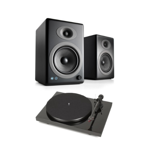 Pro ject Debut Carbon DC Turntable In Black