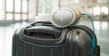Bose QuietComfort 25 Acoustic Noise Cancelling Headphones in White for Selected Samsung and Android Devices