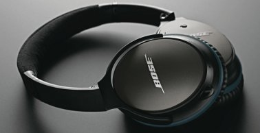 Bose QuietComfort 25 Acoustic Noise Cancelling Headphones in Black for Selected Apple Devices